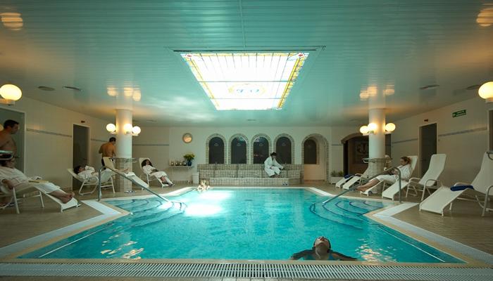 Thermal tourism on barcelona s doorstep reloclub2000 for Balneari caldes d estrac